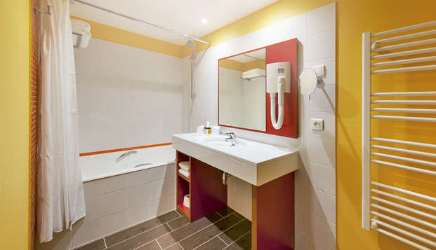Hotel Lyon Metropole Spa - bathroom
