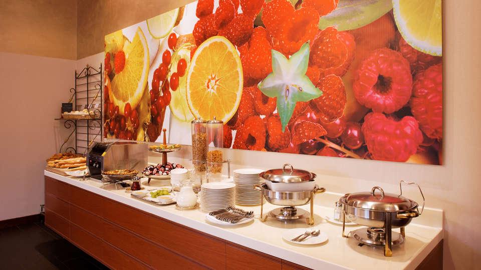 Hôtel Lyon Métropole & Spa - edit_breakfast_buffet.jpg