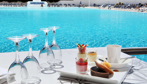 Hotel Lyon Metropole Spa - cafe pool