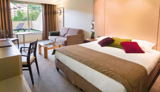 Hotel Lyon Metropole Spa - room balcony