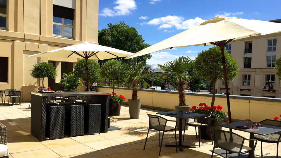 Hotel Le Louis, Versailles Château - MGallery - edit_terras2.jpg