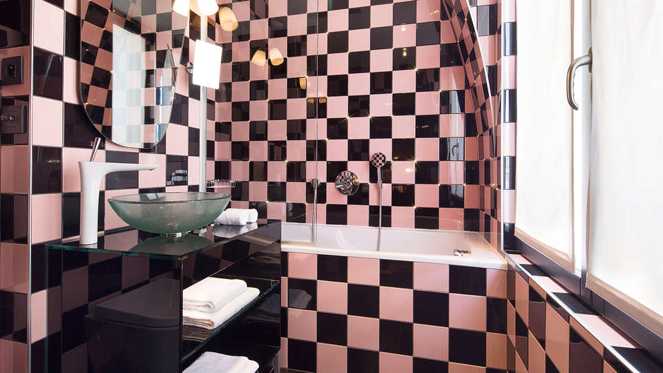 Platine Hotel et Spa - edit_bathroom3.jpg