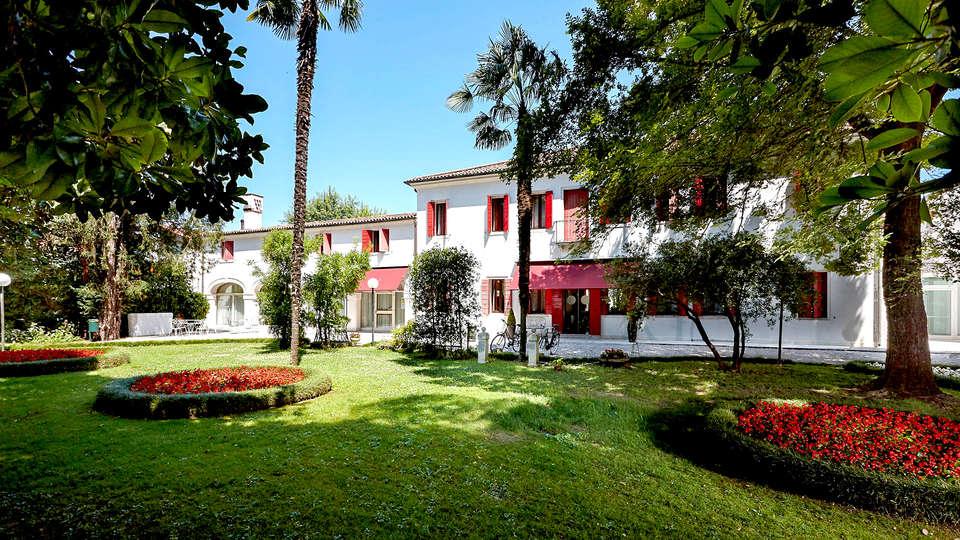 Villa Patriarca Hotel - edit_front2.jpg