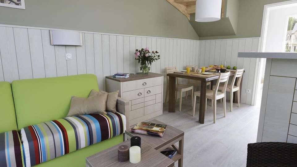 Pierre et Vacances Village Normandy Garden - edit_livingroom4.jpg