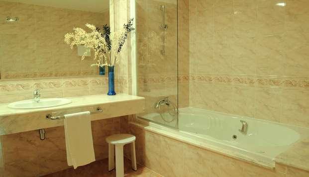 Sercotel Hotel Ciscar - bathroom
