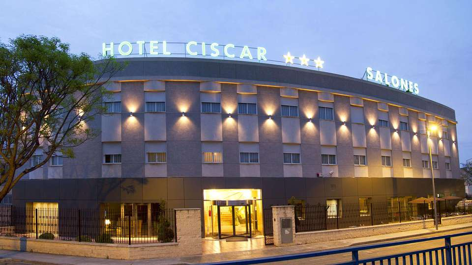 Hotel Ciscar - edit_facade1.jpg