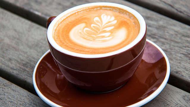 1 Café-thé avec mignardises pour 2 adultes