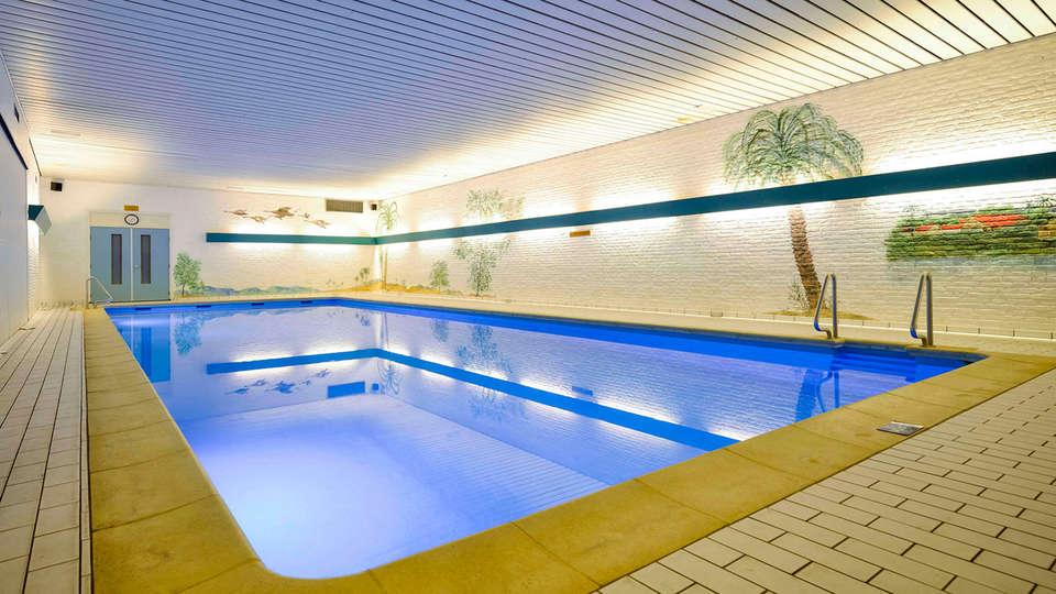 Fletcher Hotel Restaurant De Wipselberg-Veluwe - edit_pool1.jpg