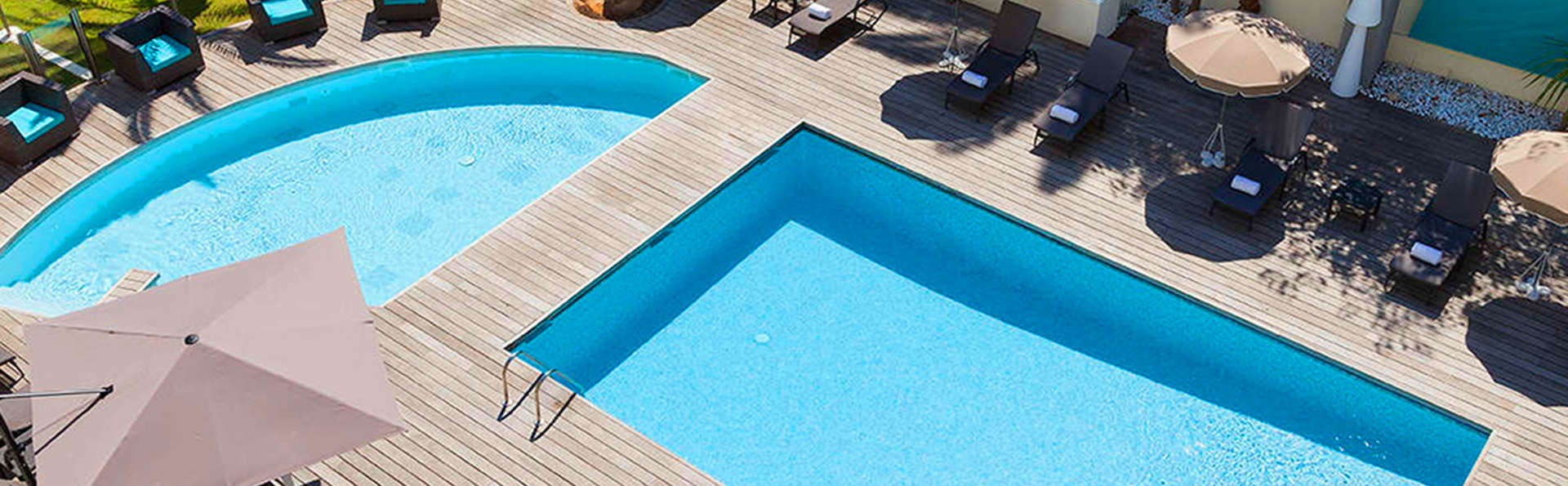 Clarion Suites Cannes Croisette - edit_pool.jpg