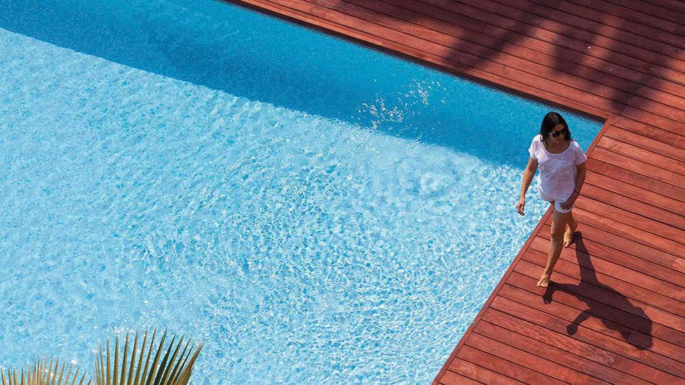 Clarion Suites Cannes Croisette - edit_pool2.jpg