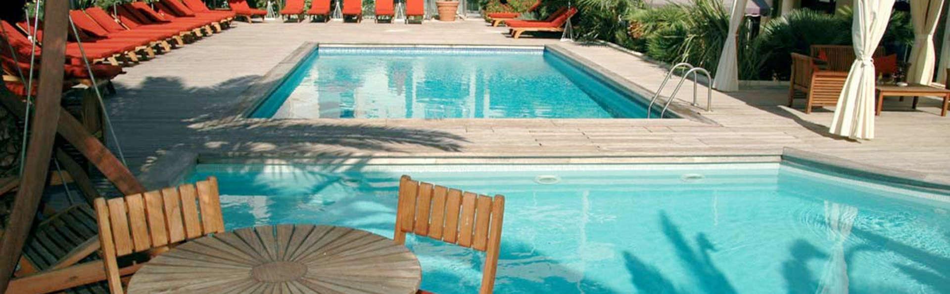 Nehô Suites Cannes Croisette - edit_pool4.jpg