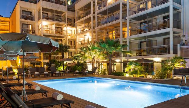 Clarion Suites Cannes Croisette - pool