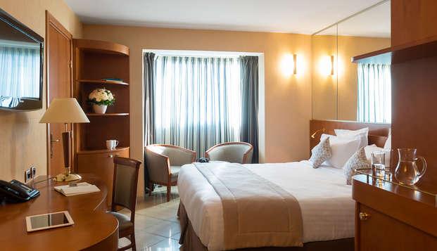 Clarion Suites Cannes Croisette - room