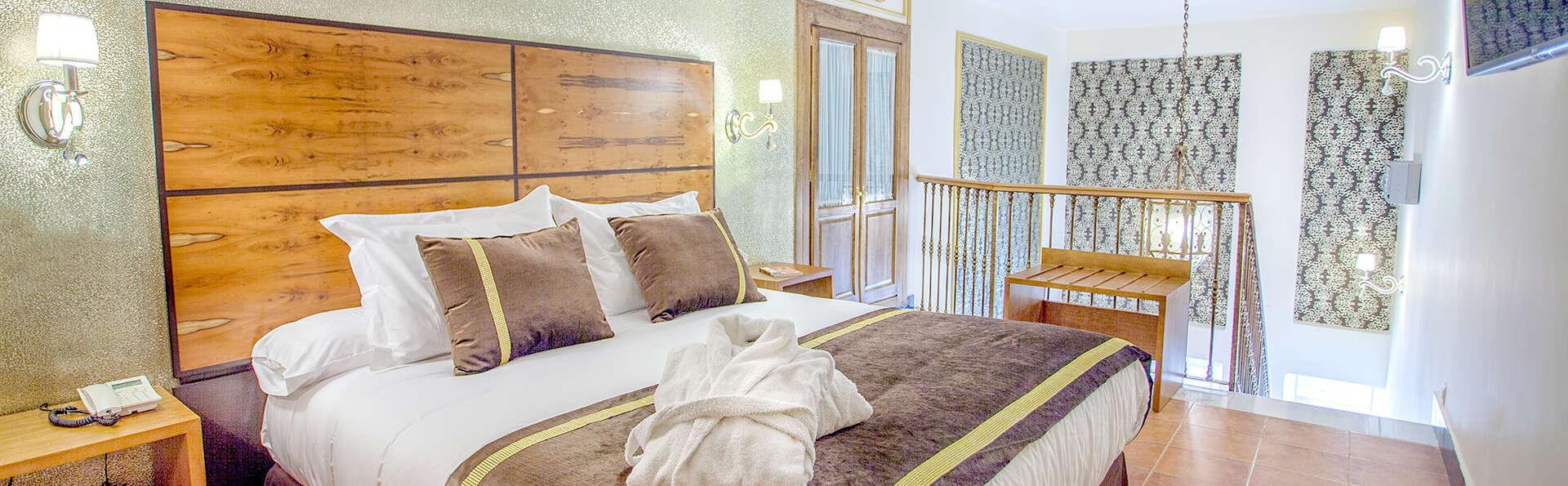 Hotel Rosaleda de Don Pedro - Edit_Room4.jpg