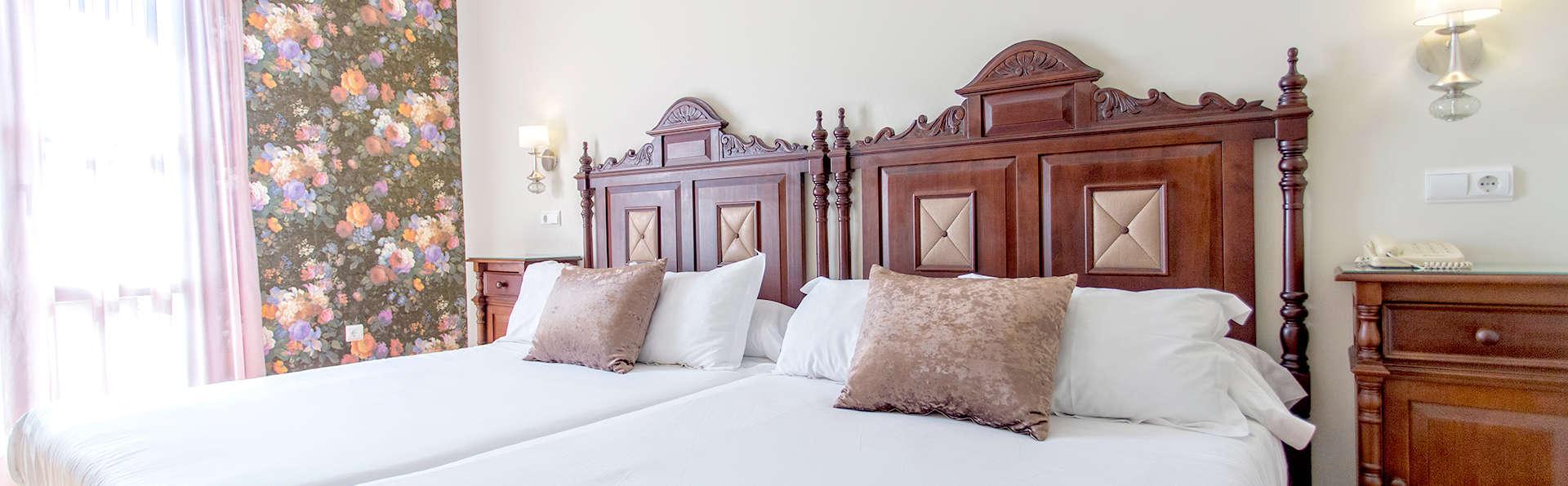 Hotel Rosaleda de Don Pedro - Edit_Room8.jpg