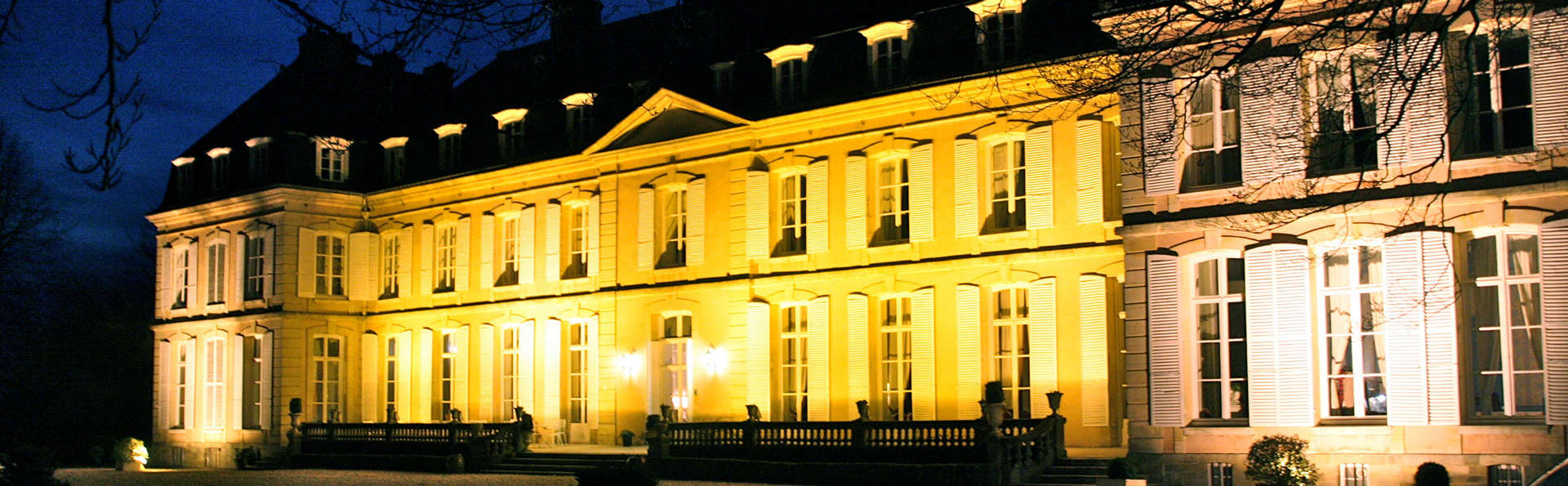 Château de Sissi - edit_front_night.jpg