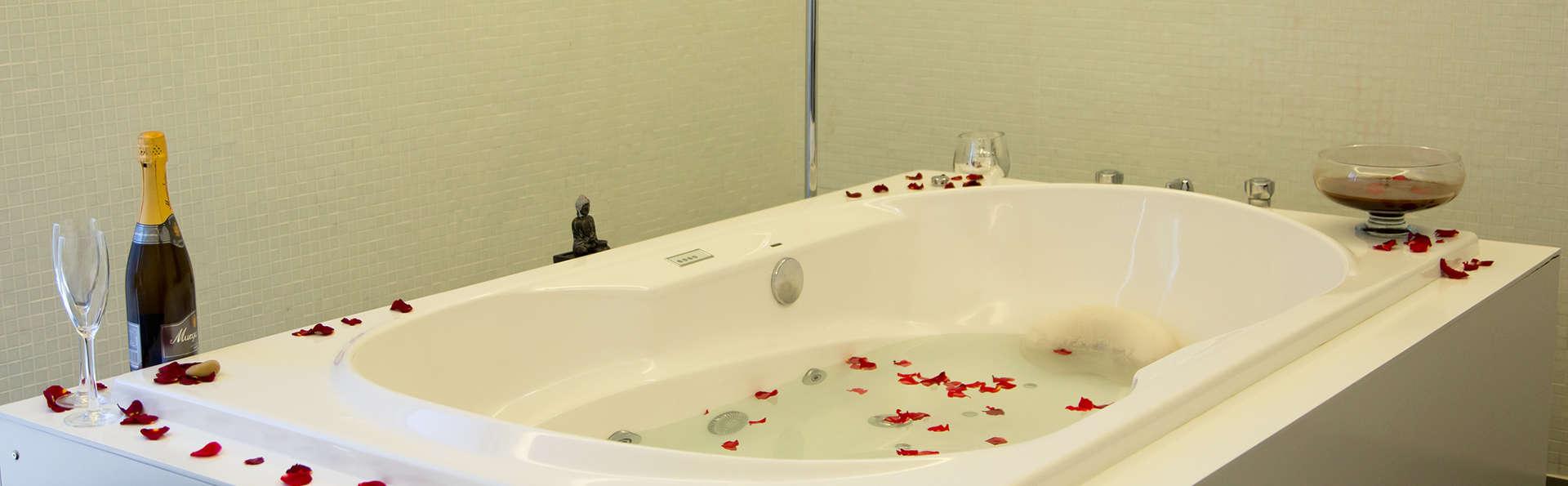 Hotel Douro Scala - edit_bathroom1.jpg