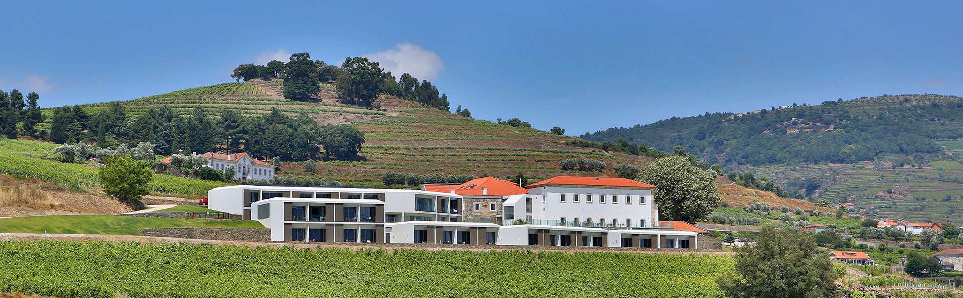 Hotel Douro Scala - edit_facade1.jpg