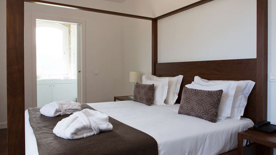 Hotel Douro Scala - edit_room.jpg