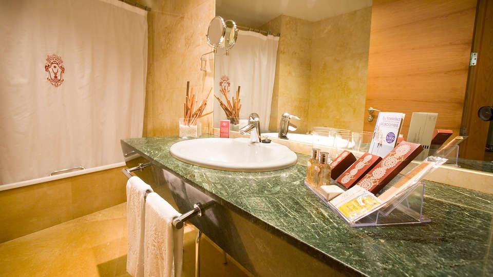 Palacio de Tudemir Boutique Hotel - edit_bathroom4.jpg