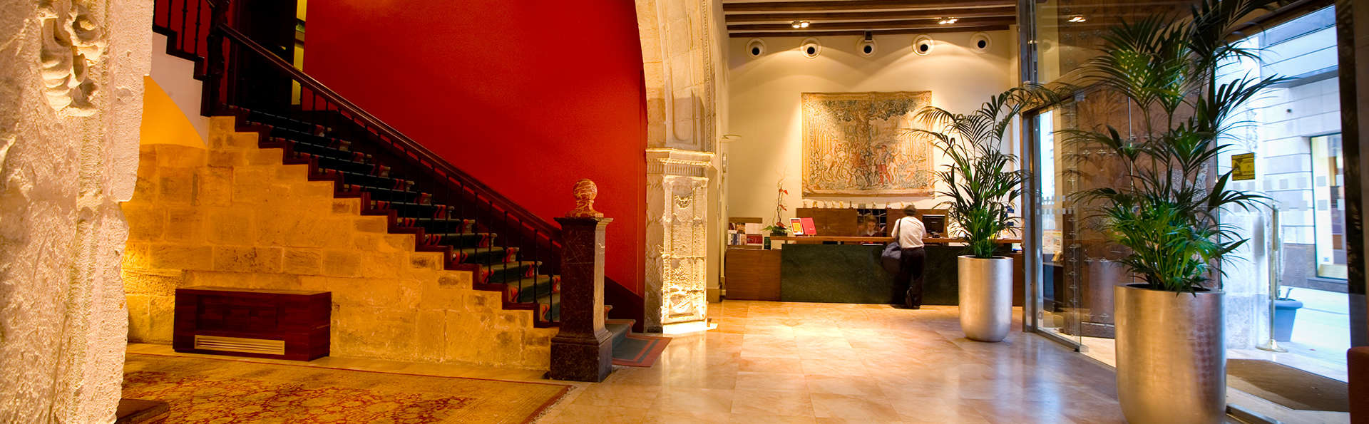 Sercotel Palacio de Tudemir Boutique Hotel - edit_entrance.jpg