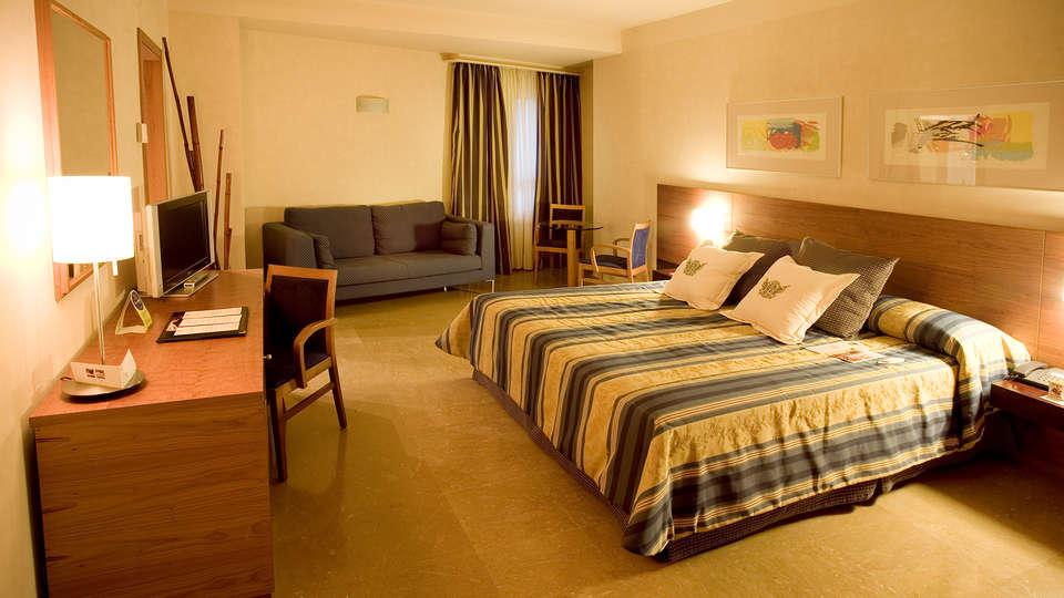 Sercotel Palacio de Tudemir Boutique Hotel - edit_room5.jpg