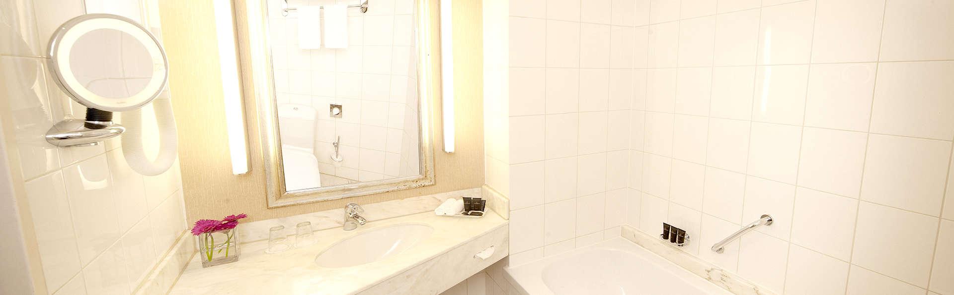 Bilderberg Garden Hotel - Edit_Bath3.jpg