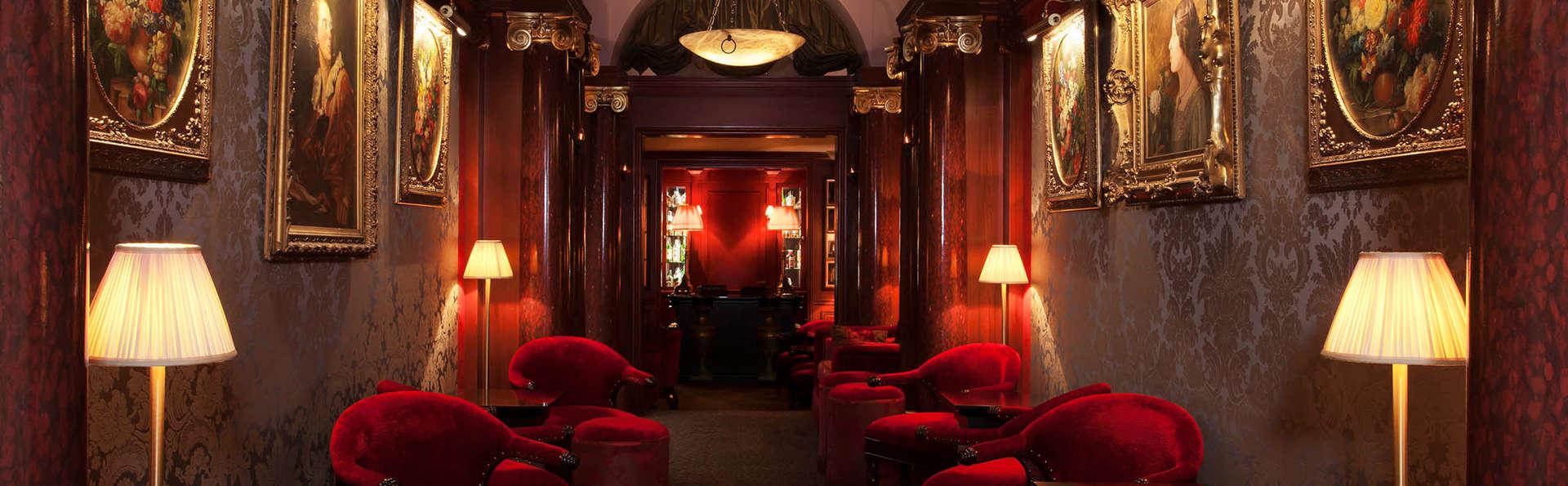 Hôtel Maison Athénée - Edit_Lounge3.jpg