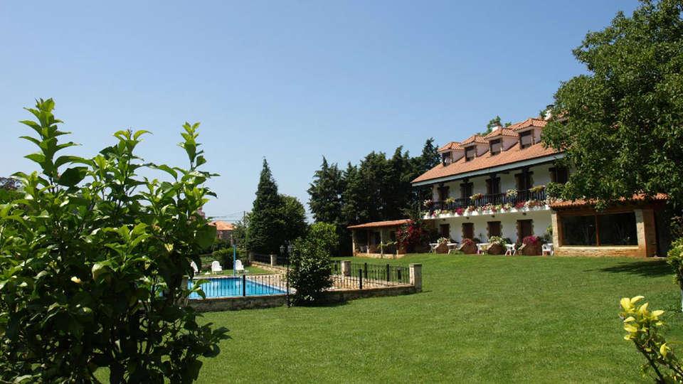 Hostería Spa El Pomar - edit_garden1.jpg