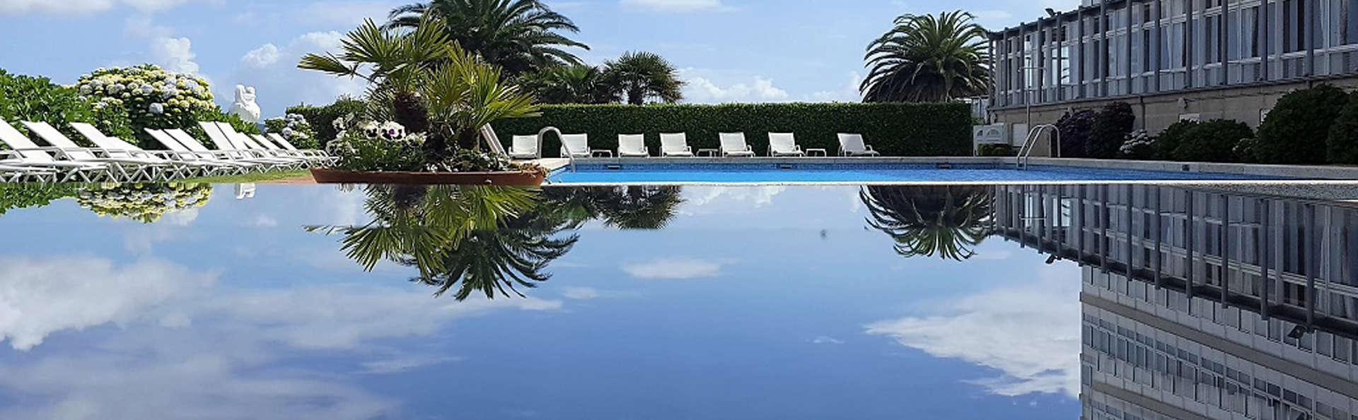 Talaso hotel Louxo la Toja - edit_pool2.jpg