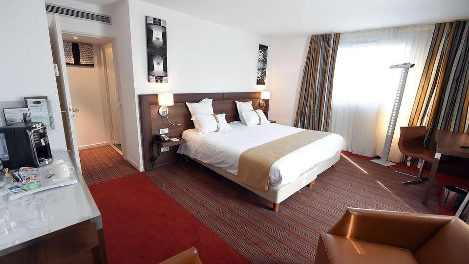 Holiday Inn Mulhouse - edit_room3.jpg
