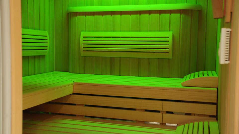 Holiday Inn Mulhouse - edit_sauna.jpg