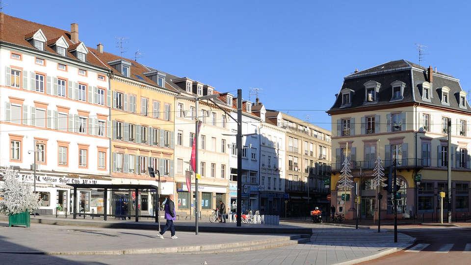 Holiday Inn Mulhouse - edit_Mulhouse_-_Place_de_la_Republique-recadre.jpg