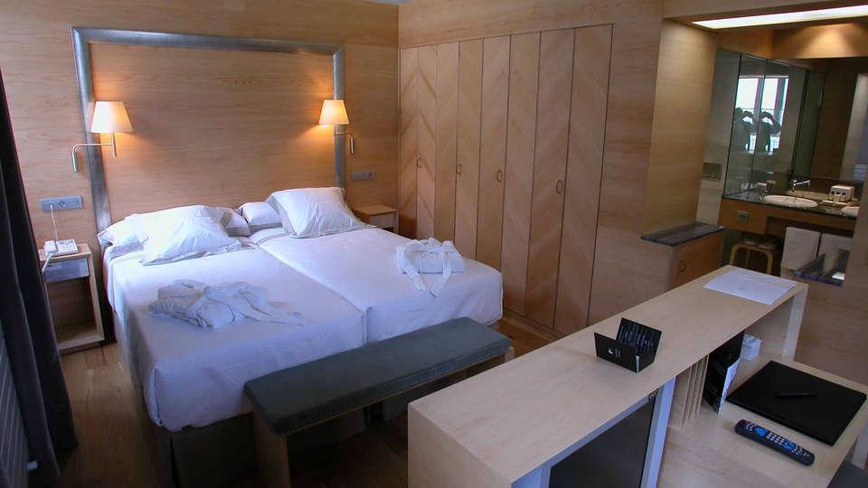Gran Hotel - Balneario de Panticosa (Adults only) - edit_HABITACION_SUPERIOR.jpg
