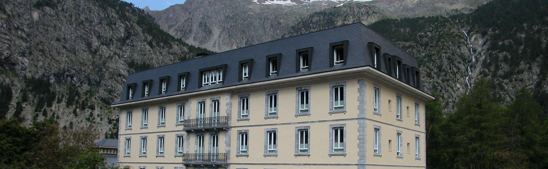 Resultado de imagen de gran hotel baños de panticosa