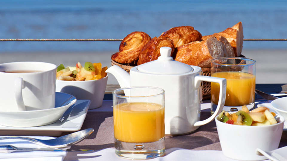 Hôtel Les Sables Blancs - edit_breakfast2.jpg