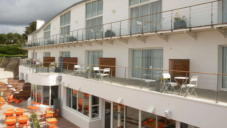 Hôtel Les Sables Blancs - edit_facade2.jpg