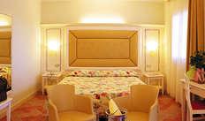 1 notte in camera doppia standard vista cortile per 2 adulti