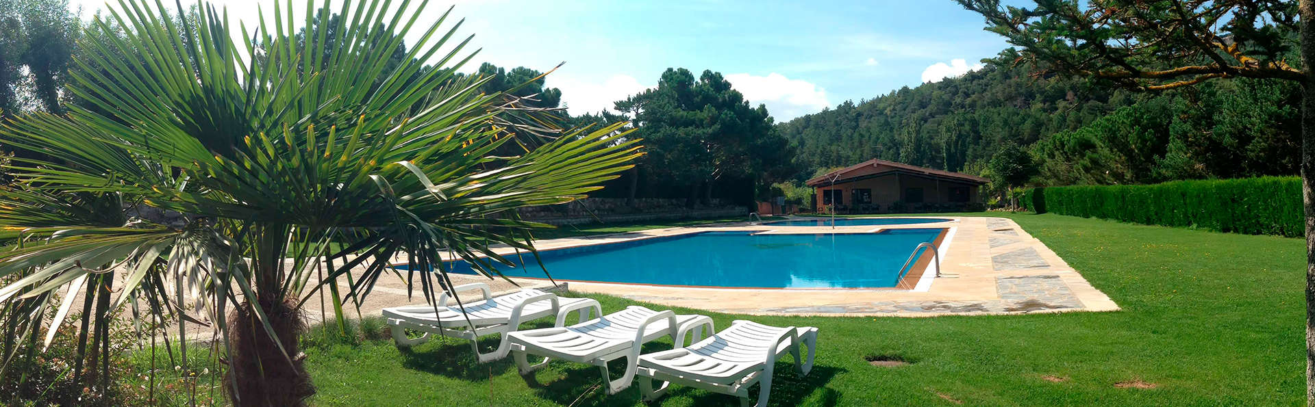 Prades Park Camping & Bungalow - edit_pool4.jpg