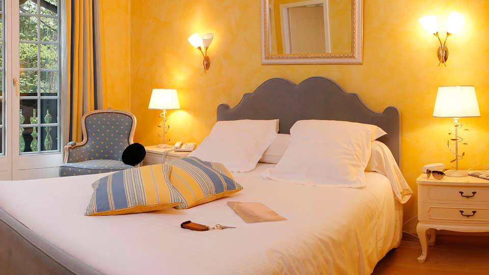 Hotel and Spa Les Violettes - Edit_Room2.jpg