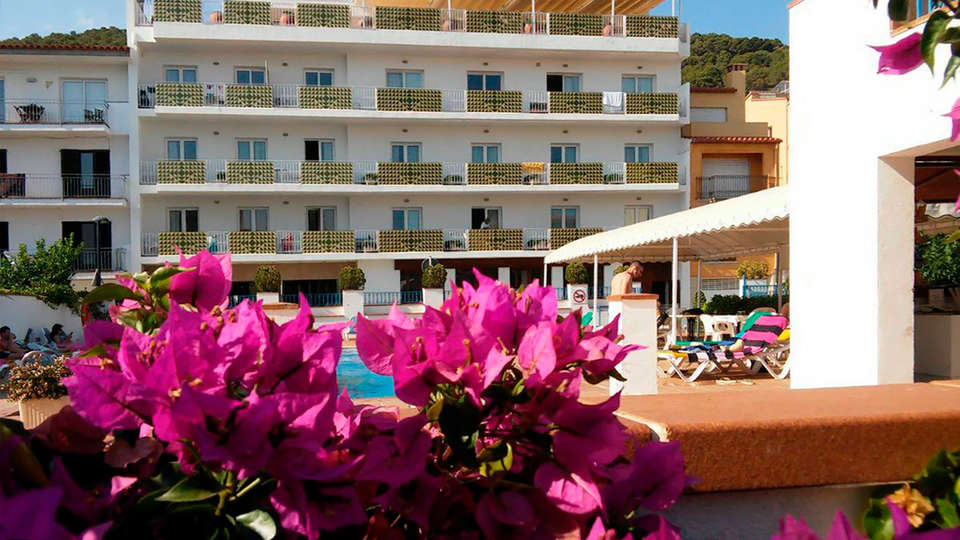 Hotel Santa Anna - edit_front3.jpg