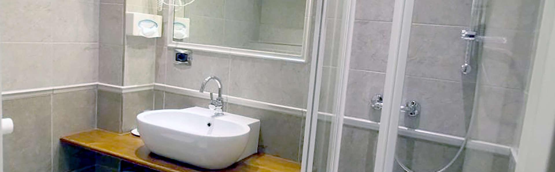 Hotel Elena - Edit_Bath.jpg