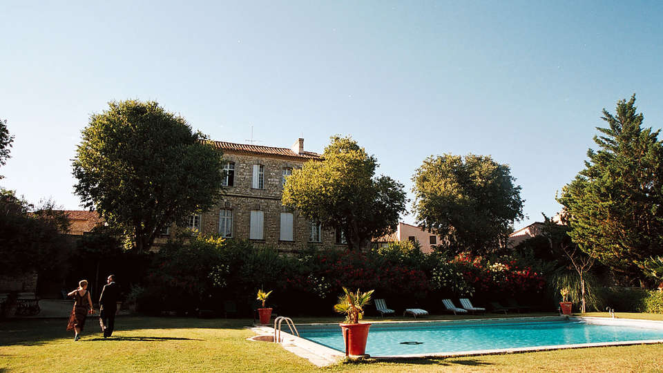Château d'Arpaillargues - EDIT_pool1.jpg