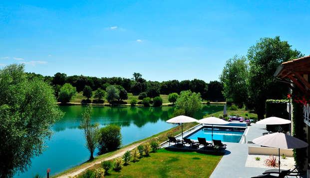 Hotel The Originals Les Jardins du Lac ex Relais du Silence - aereapool