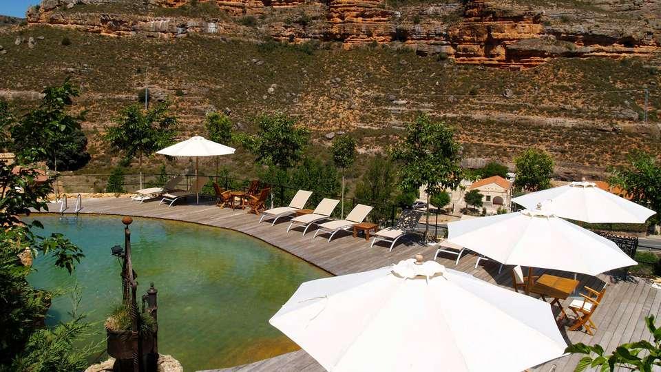 Hotel Rural Castillo de Somaén - edit_pool23.jpg