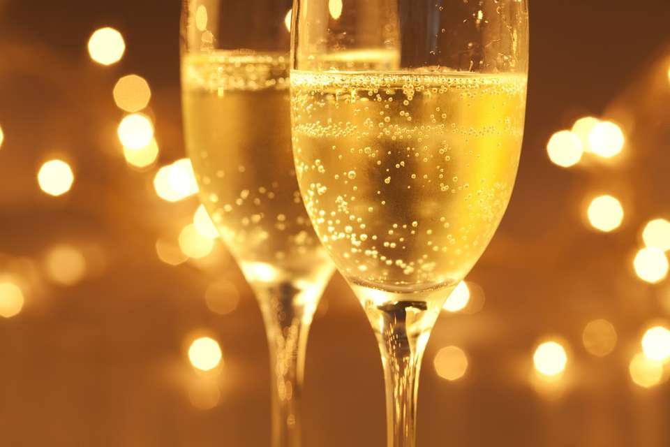 Le Saint Christophe - champagne-via-optionsbinaires-empireoption-com.jpg