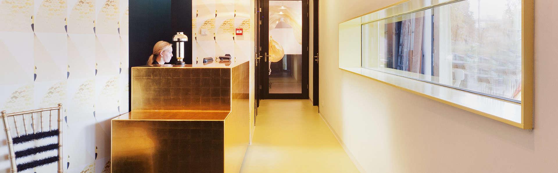 Design Hotel Modez - EDIT_reception.jpg