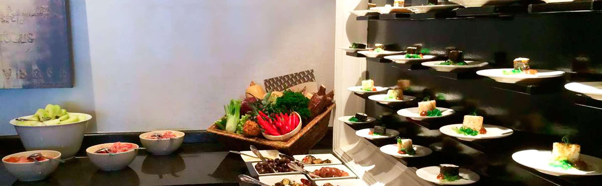 Van der Valk Hotel Goes - EDIT_buffet.jpg