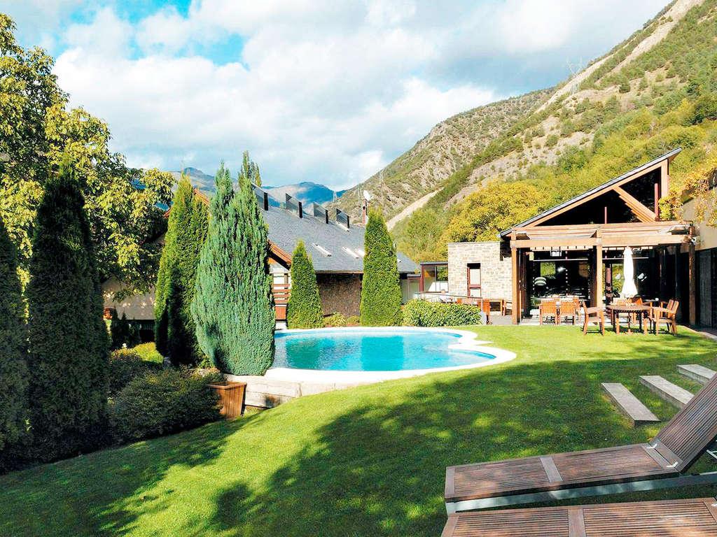 Séjour Rialp - Escapade dans les Pyrénées avec foyer et spa avec réduction sur activité (à partir de 2 nuits)  - 4*