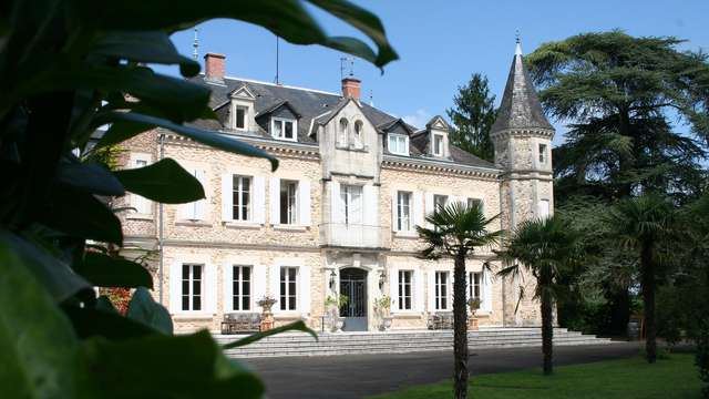 Chateau de Buros